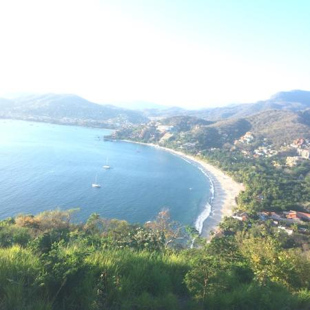 Ixtapa Zihuatanejo Tours by Luis De La Maza - Tours: La playa beach