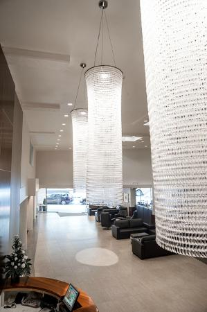 West Plaza Hotel: Foyer Lighting