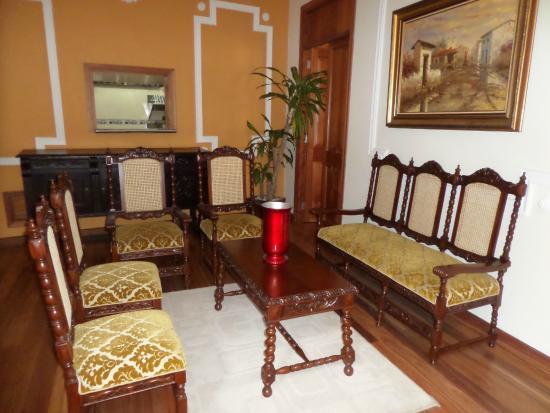 Santa Lucia Hotel Boutique Spa: Sala de estar próximo ao café