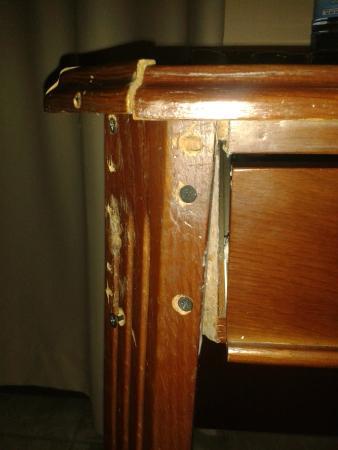 Pestana Rovuma: Mesa caindo aos pedaços