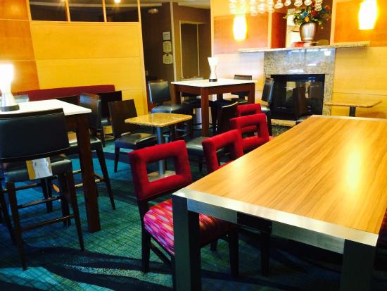 SpringHill Suites Boise : Breakfast area