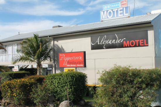 Alexander Motel & Peppercorn Restaurant