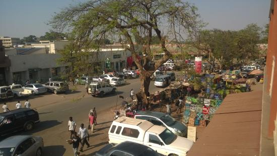 Kiboko Town Hotel : view from the long balcony.
