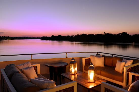 Zambezi Explorer Signature Lounge
