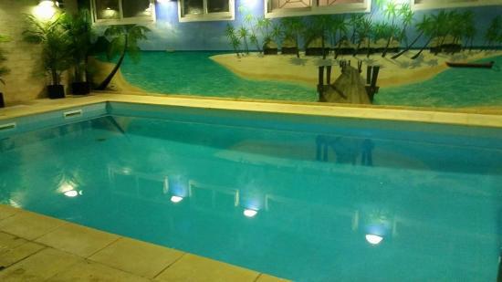 Hotel Residence Europe: la piscine, un poil un peu froide
