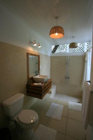 Le Gallerie: Bathrooms