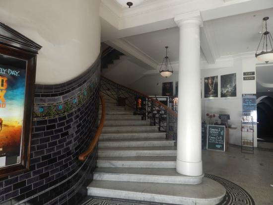 Internal staircase foto van the embassy theatre for 136 the terrace wellington