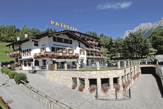 Hotel Patrizia: Esterno estate