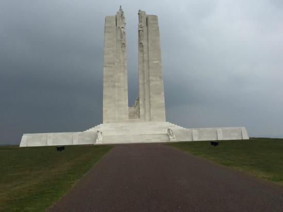 Hotel Les Trois Luppars: The Canadian memorial at Vimy