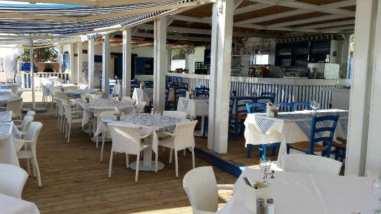 Yans Beach Restaurant & Bar
