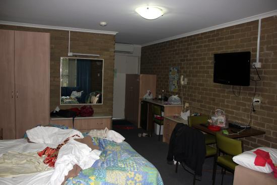 Tropicana Motor Inn: Room 1