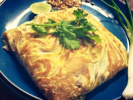 EuroThai Restaurant: Pad Thai in Omelette