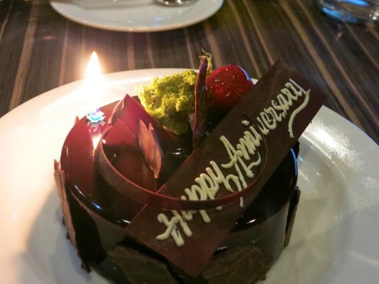 Creekside Japanese Restaurant: Anniversary cake