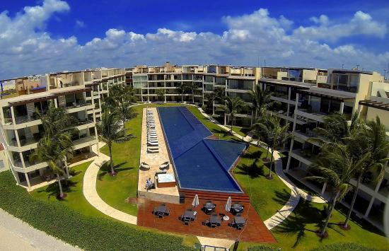 The Elements Oceanfront & Beachside Condo Hotel: Outdoor pool