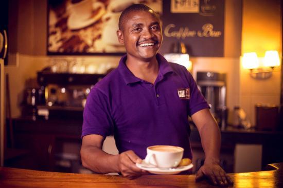 Fifi's: Customer Service