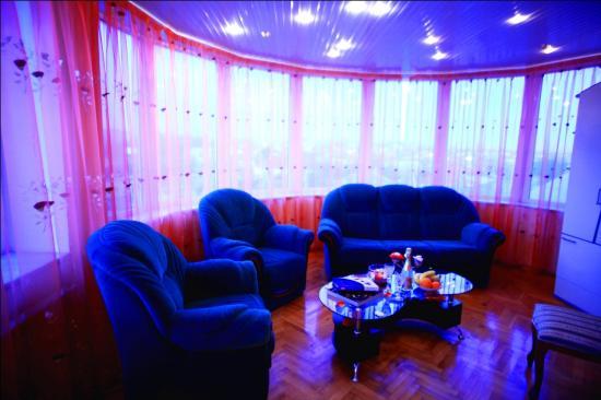 Ezio Palace: sofa