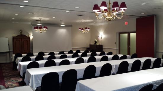 The Country Inn of Berkeley Springs: Banquet Room