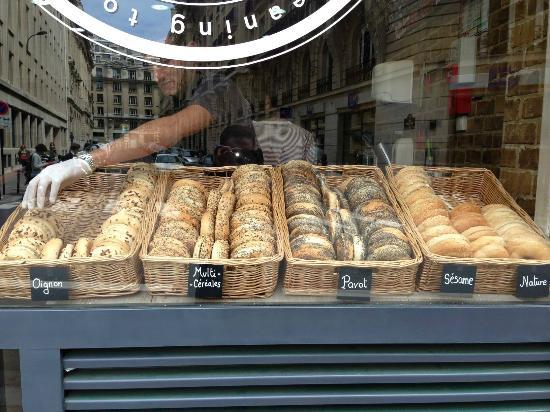 Café et bagel datant