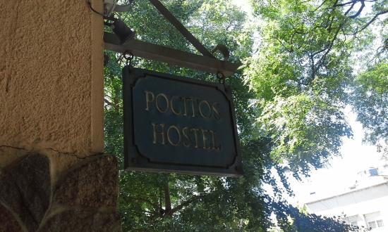 Pocitos Hostel: entrada exterior