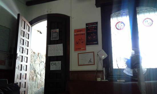 Pocitos Hostel: entrada interior