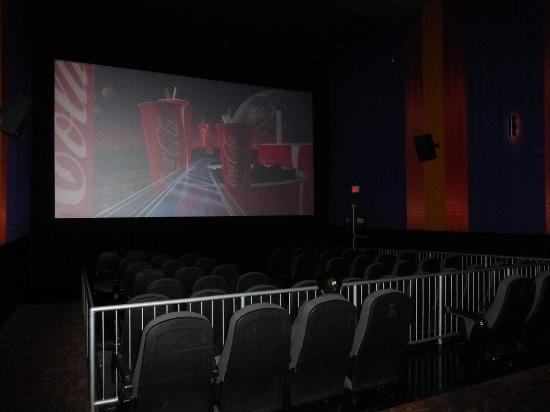 Things To Do In Modesto >> Regal Cinema screen & seating BEFORE show starts - Picture of Regal Peoples Plaza Stadium 17 ...