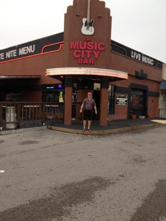 ‪Music City Bar and Grill‬