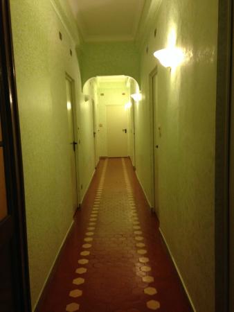 Istituto San Giuseppe di Cluny: Pasillo