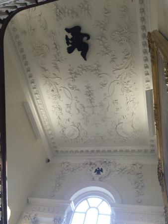 Wilberforce House Museum: The Ceiling in the house