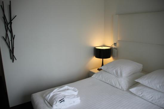 Le Windsor Grande Plage Biarritz : chambre