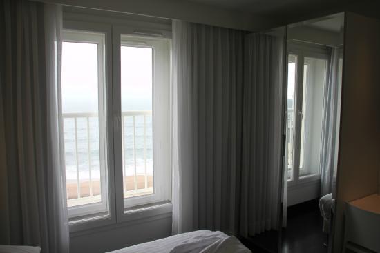 Ext rieur photo de le windsor grande plage biarritz for Chambre public affairs