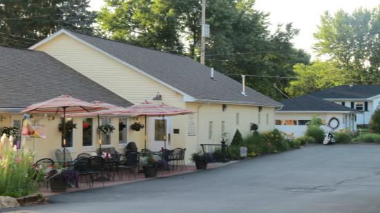 The Clay's Cafe & Catering: Clay's Cafe