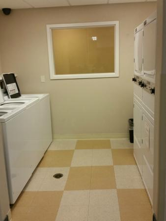 Candlewood Suites Yuma: Laundry facilities