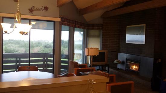 Ocean Shores, WA: Living Room