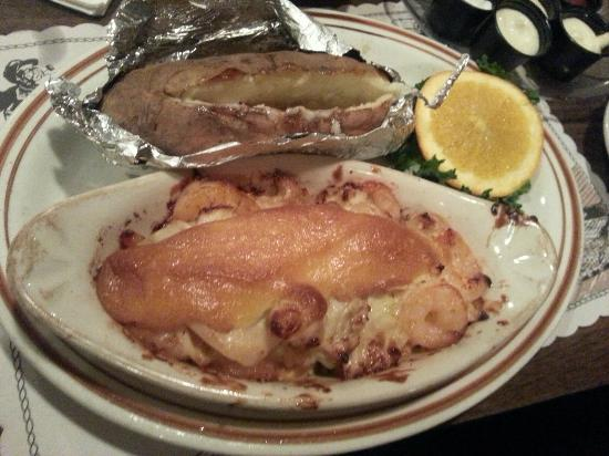 Mike's Restaurant & Crab House: .
