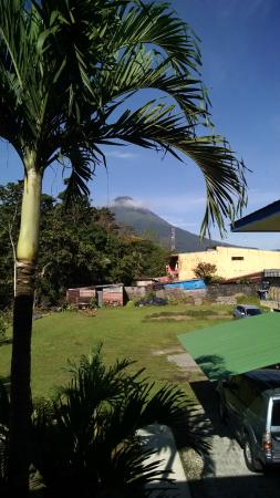 Mayol Lodge: vista del volcan arenal