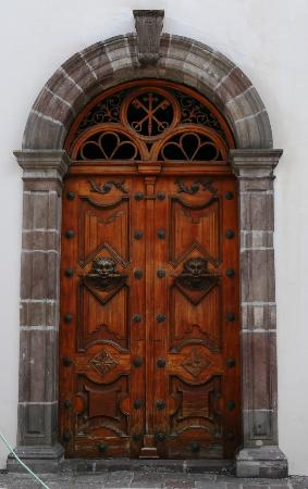 El Sagrario doorway