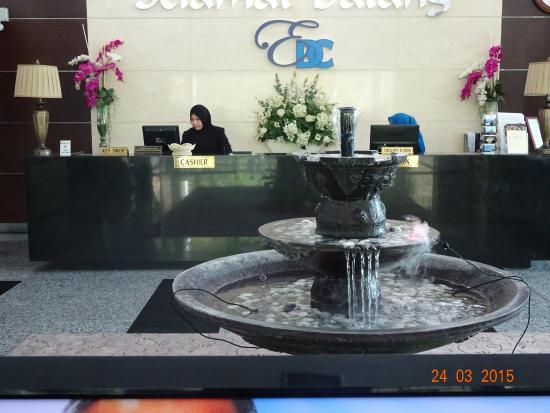 Sintok, Malaysia: The reception counter