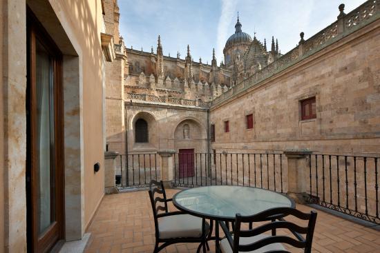 Terrace fotograf a de nh salamanca puerta de la catedral for Puertas salamanca