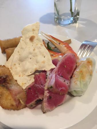 Belmond Charleston Place : Charleston Place Club Level Lounge Appetizer Offering