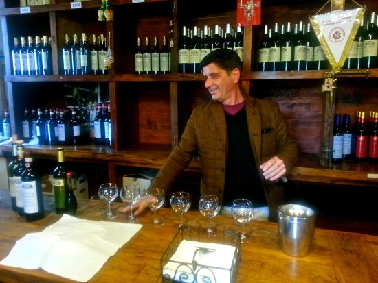 Scenic wine tours in Tuscany: Our tour guide, Mau