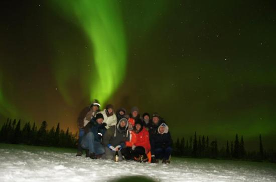 Camp Alta: group picture with Northernlights in the Camp