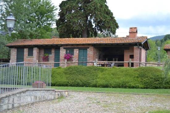 Fattoria di belvedere poppi italien ranch for Piani di fattoria ranch