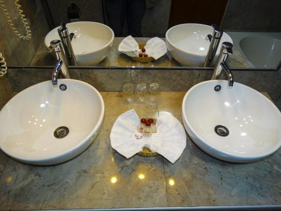 فندق روناس: Baños elegantes