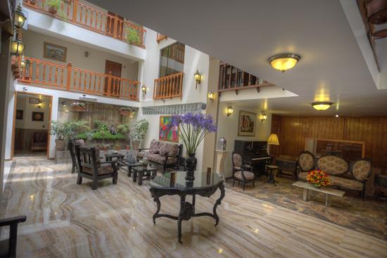 Hotel Ruinas: Salón Principal