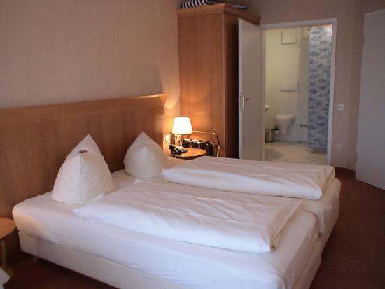 Hotel Leuchtfeuer: Doppelzimmer mit Bad
