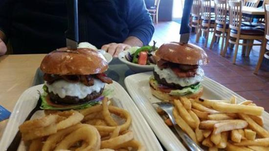 Tilton House of Pizza: Great Burgers at THOP