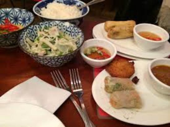 Photo of Asian Restaurant Yum Saap at Twijnstraat 40, Utrecht 3511 ZL, Netherlands