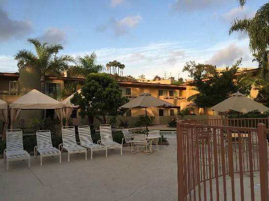 Winners Circle Resort: Pool area
