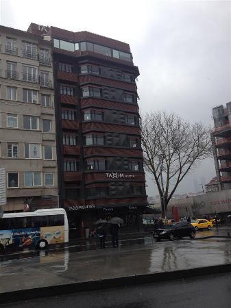 Taxim Suites : Exterior