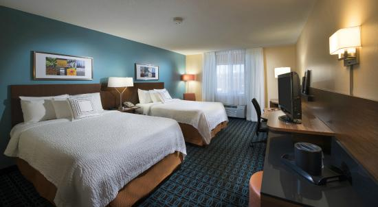 Fairfield Inn Huntsville: Double/Double Guest Room